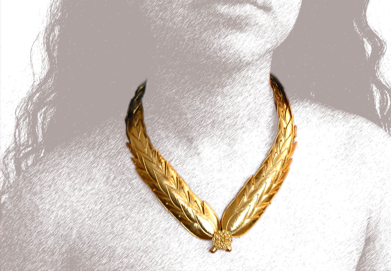 22k gold necklace with leaves of flowering myrtle tree