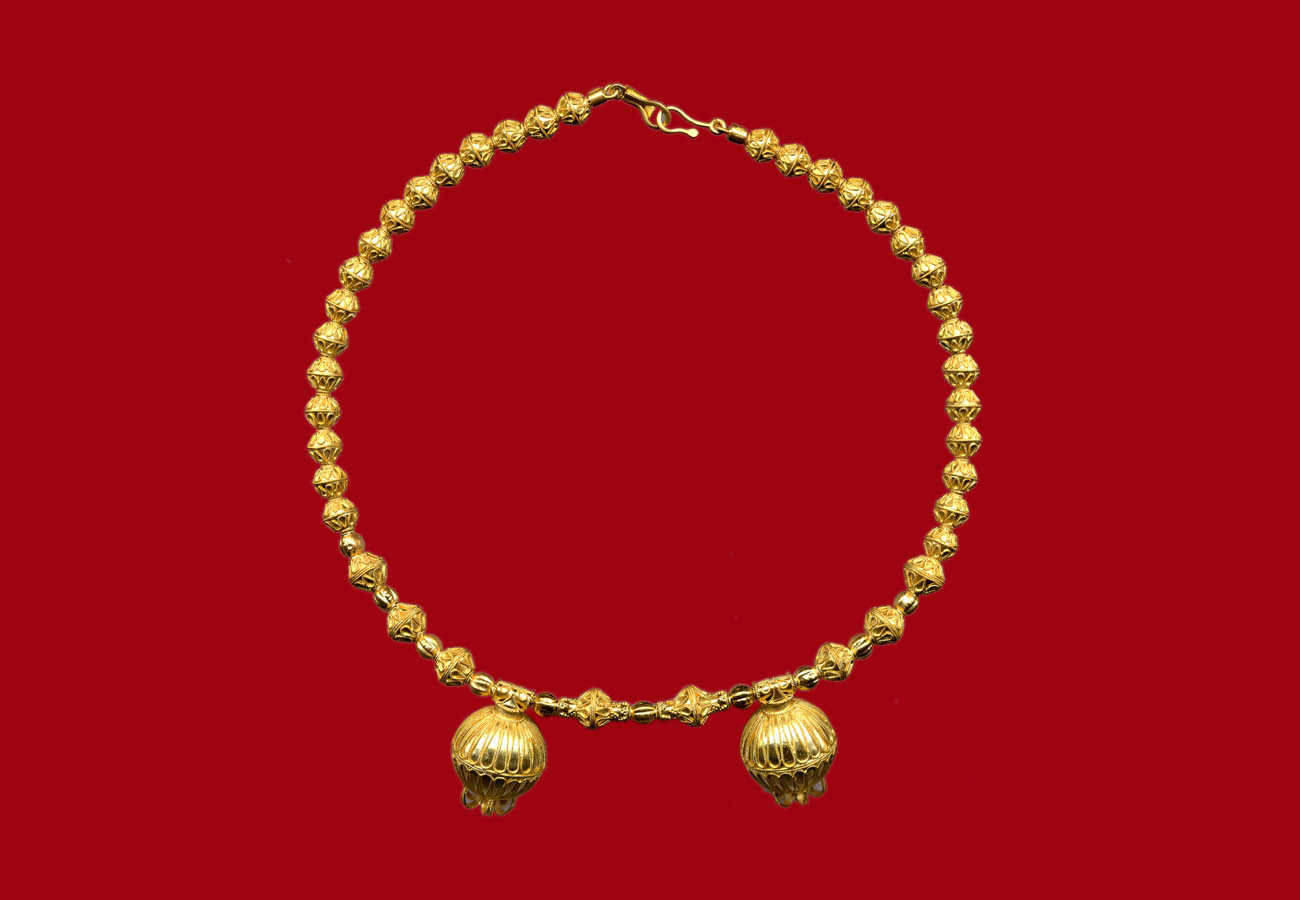 22k gold necklace with bi-conical beads and pomegranates, 510 BC