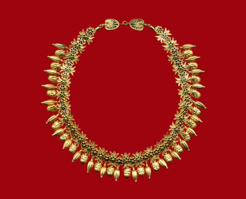 22k gold necklace with lotus-rosettes and Acheloos-heads, from Pantikapaion, 400 - 380 BC