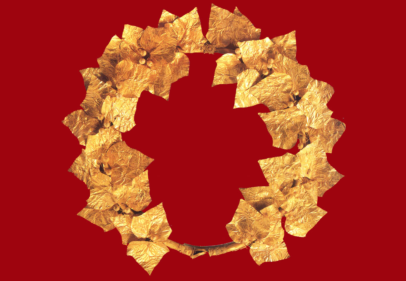 Gold Ivy wreath, mid-4th century BC from Sevasti Pieria Archaeological Museum